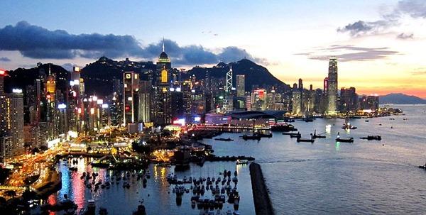 800px-Hong_Kong_Island_Skyline_201108